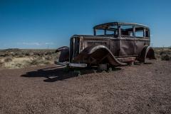 urbex-urban-exploration-abandonded-classic-vintage-car