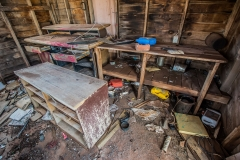 urbex-urban-exploration-photography-workroom